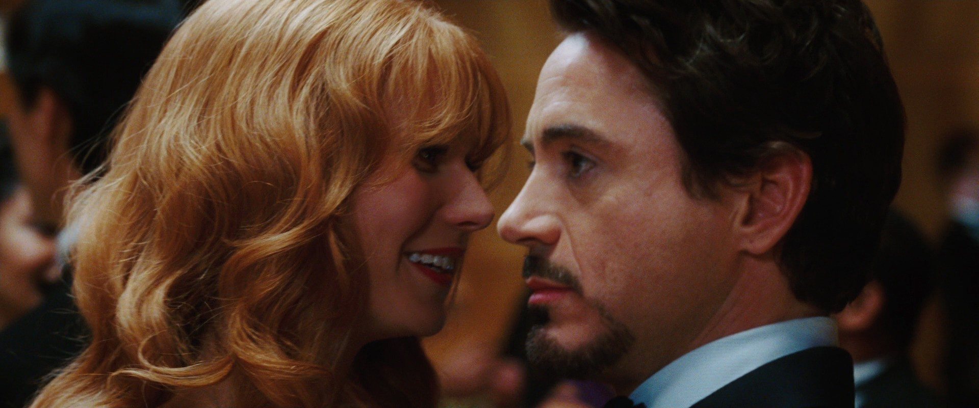 http://caps.pictures/200/8-iron-man1/full/iron-man1-movie-screencaps.com-8328.jpg