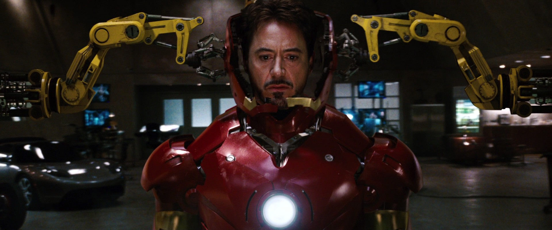 http://caps.pictures/200/8-iron-man1/full/iron-man1-movie-screencaps.com-9016.jpg