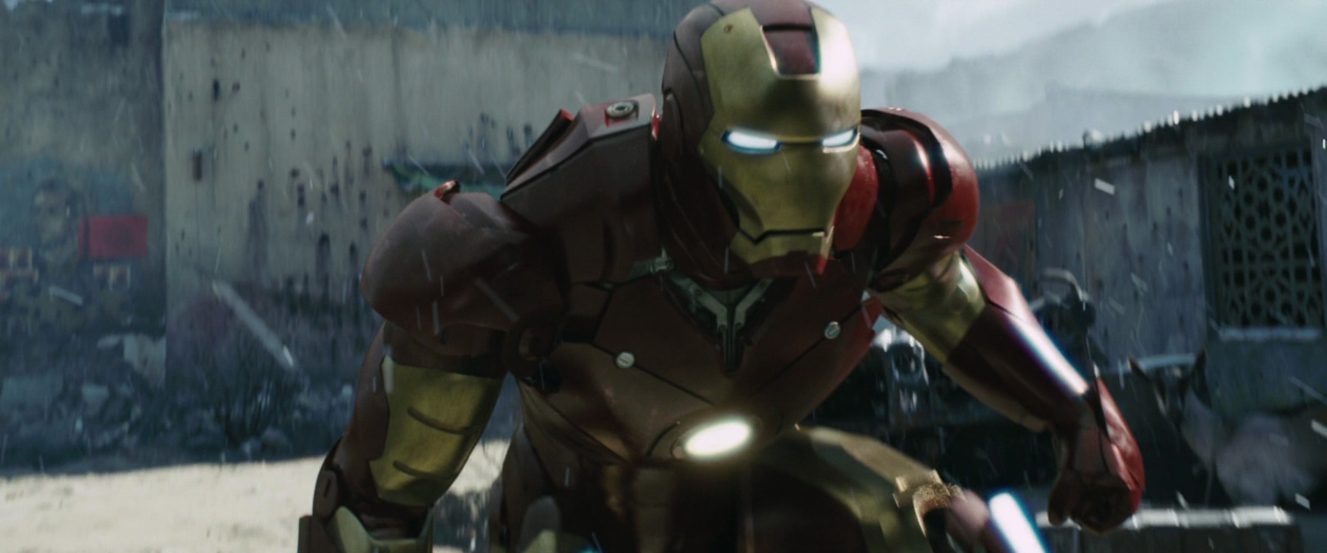 http://caps.pictures/200/8-iron-man1/full/iron-man1-movie-screencaps.com-9213.jpg