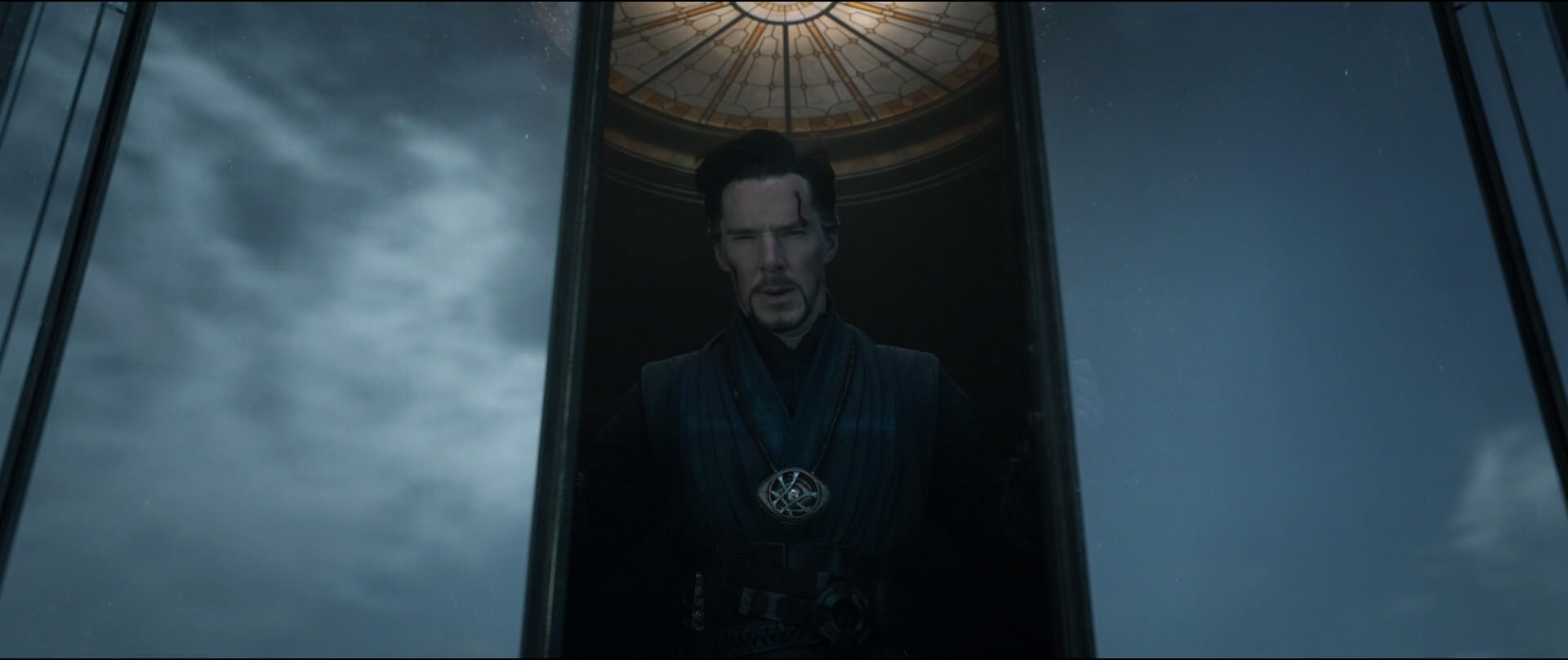 http://caps.pictures/201/6-doctorstrange/full/dr-strange-movie-screencaps.com-6611.jpg